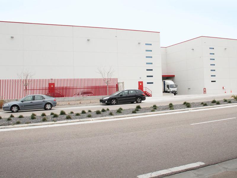 Plateforme logistique TRANSPORTES LAPUENTE 5.000 m2